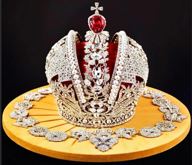 корона монарха
